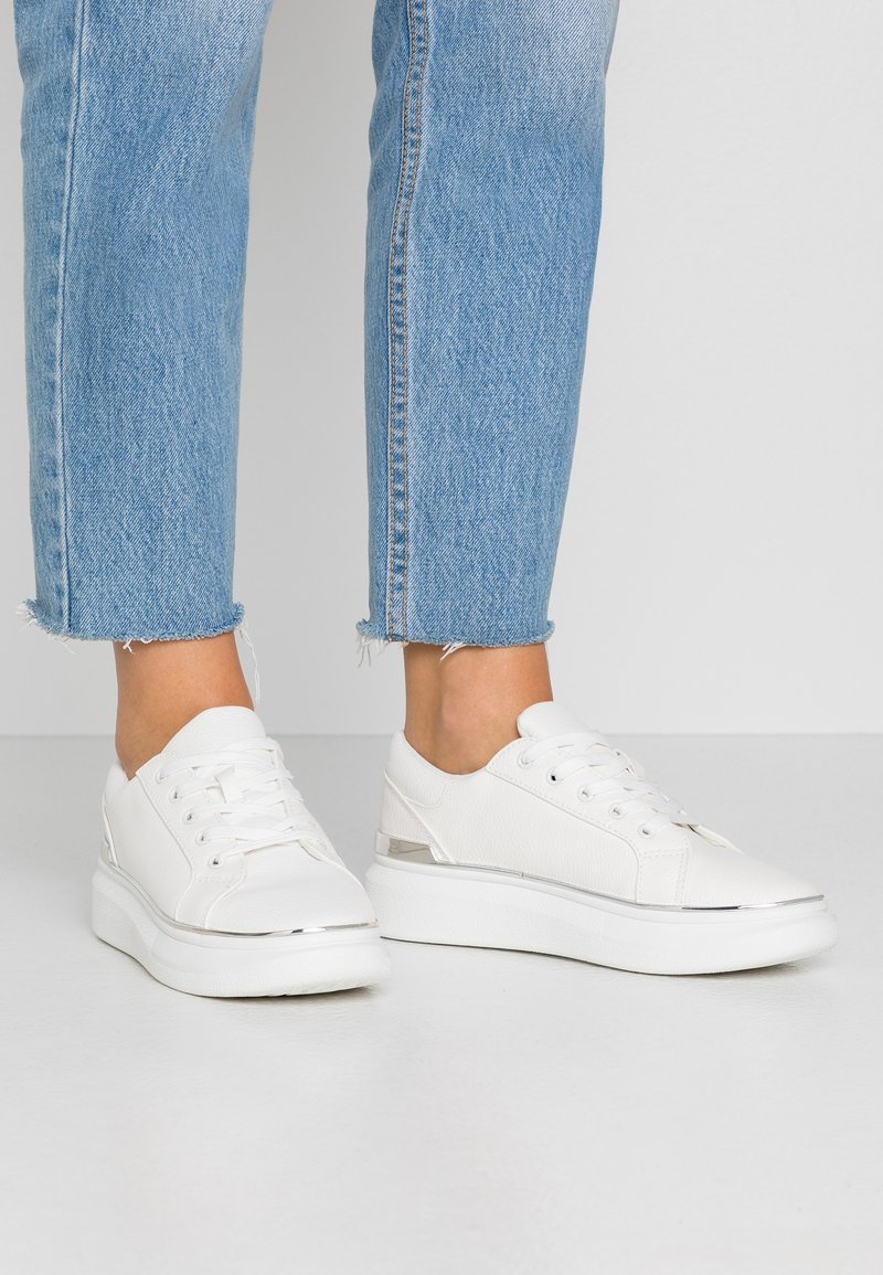 New Look - Sneakers - white