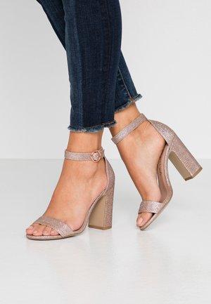 SWAGGLE - Sandaler med høye hæler - rose gold