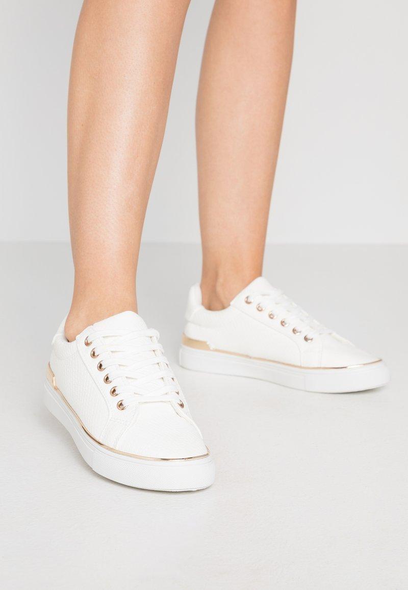 New Look - MAJESTIC - Matalavartiset tennarit - white