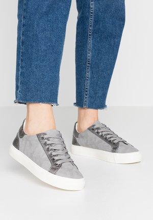 MEDIC - Sneakers - mid grey