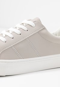 New Look - MIGMAG - Trainers - mid grey - 2
