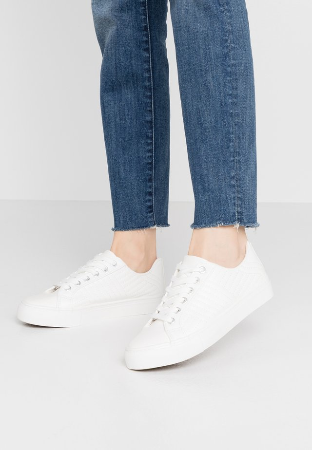 MAIDEN - Sneakers laag - white