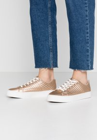 New Look - MAIDEN - Trainers - rose gold - 0