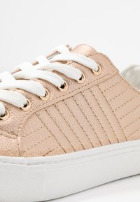 New Look - MAIDEN - Trainers - rose gold - 2