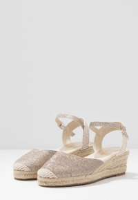 New Look - TOBAGO  - Espadrilles - gold - 4