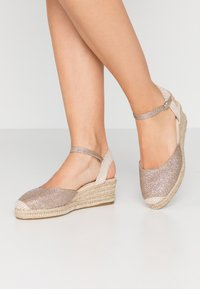 New Look - TOBAGO  - Espadrilles - gold - 0