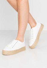 New Look - MHOY - Espadrillot - white - 0