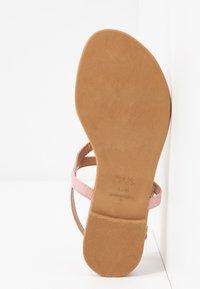 New Look - HOOPER - Flip Flops - light pink - 4