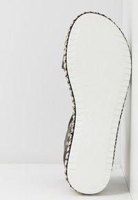 New Look - PARRAMELLA - Sandály na platformě - black - 6