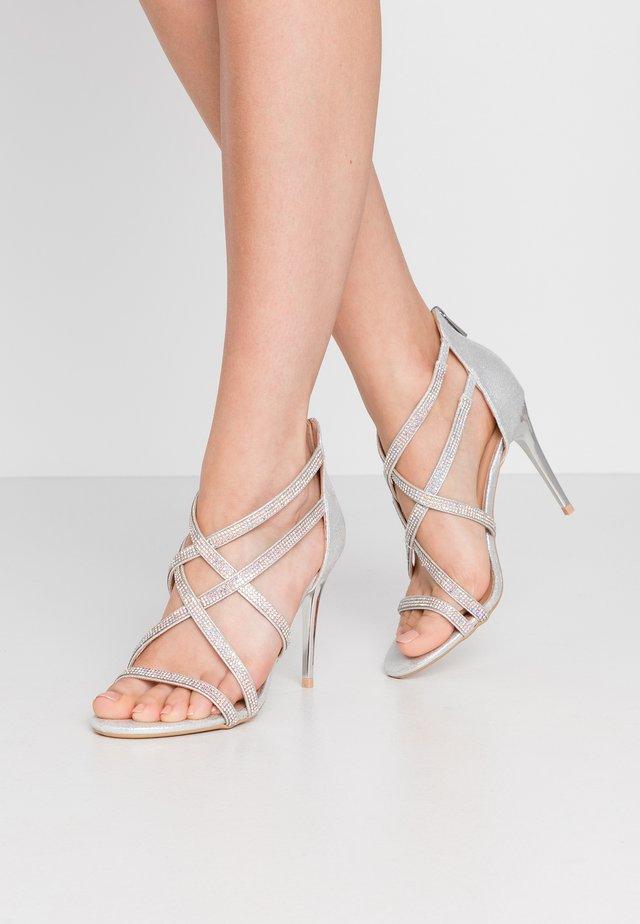 UDELLA - Sandalen met hoge hak - silver