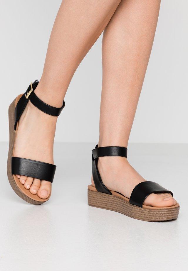 GENIUS - Sandalen met plateauzool - black