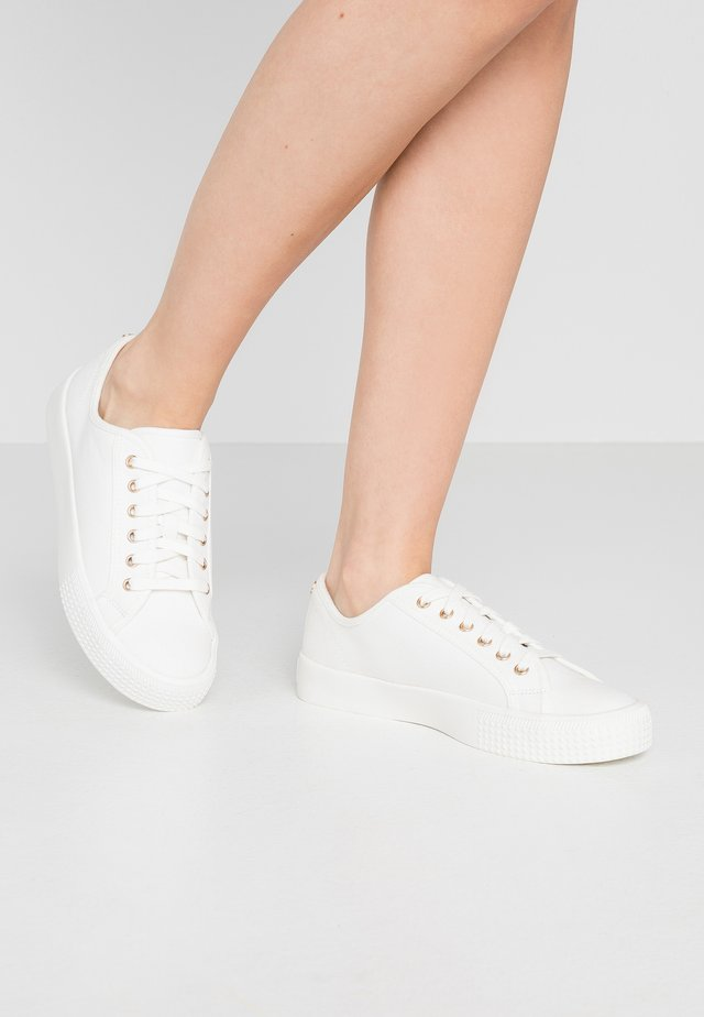 MAURICE - Sneakers laag - white