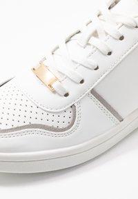 New Look - METRONOMY - Sneakers laag - white - 2