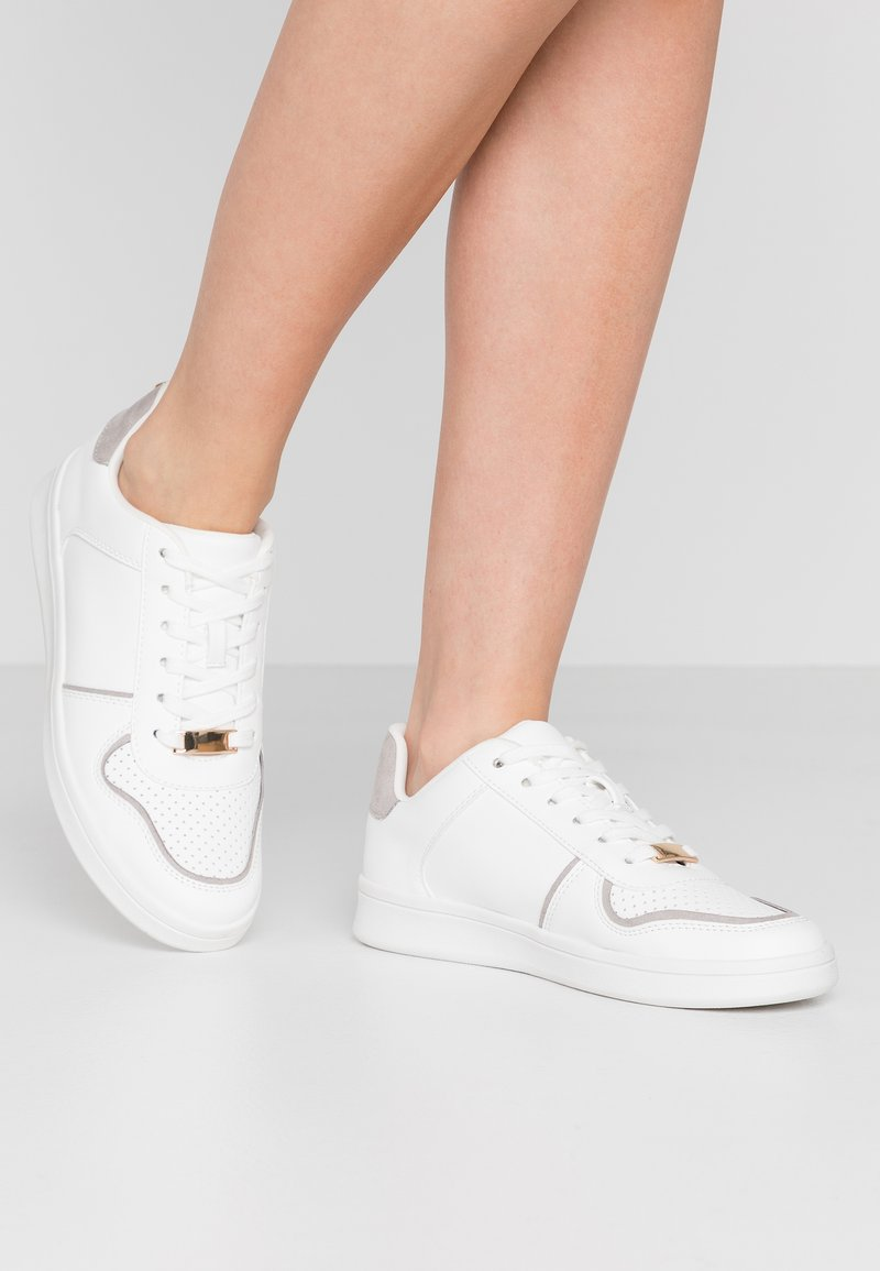 New Look - METRONOMY - Sneakersy niskie - white