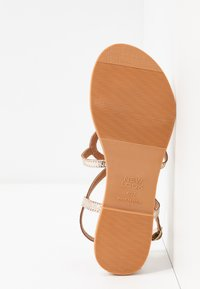 New Look - FILLY - T-bar sandals - gold - 6