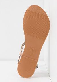 New Look - FELICITY - Sandály s odděleným palcem - oatmeal - 6