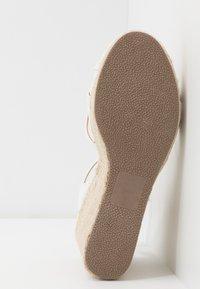 New Look - PEDGER - Sandalen met hoge hak - white - 6
