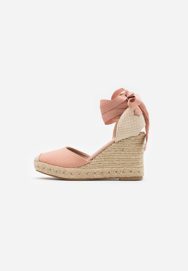 TRINIDAD  - Højhælede sandaletter / Højhælede sandaler - light pink
