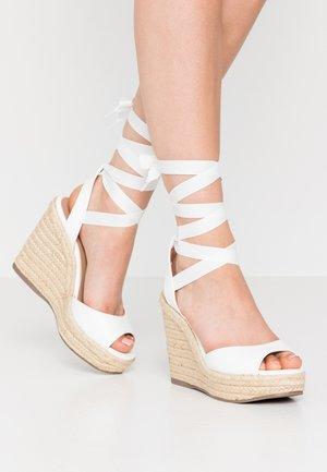 PADY TIE UP WEDGE - Sandaler med høye hæler - white