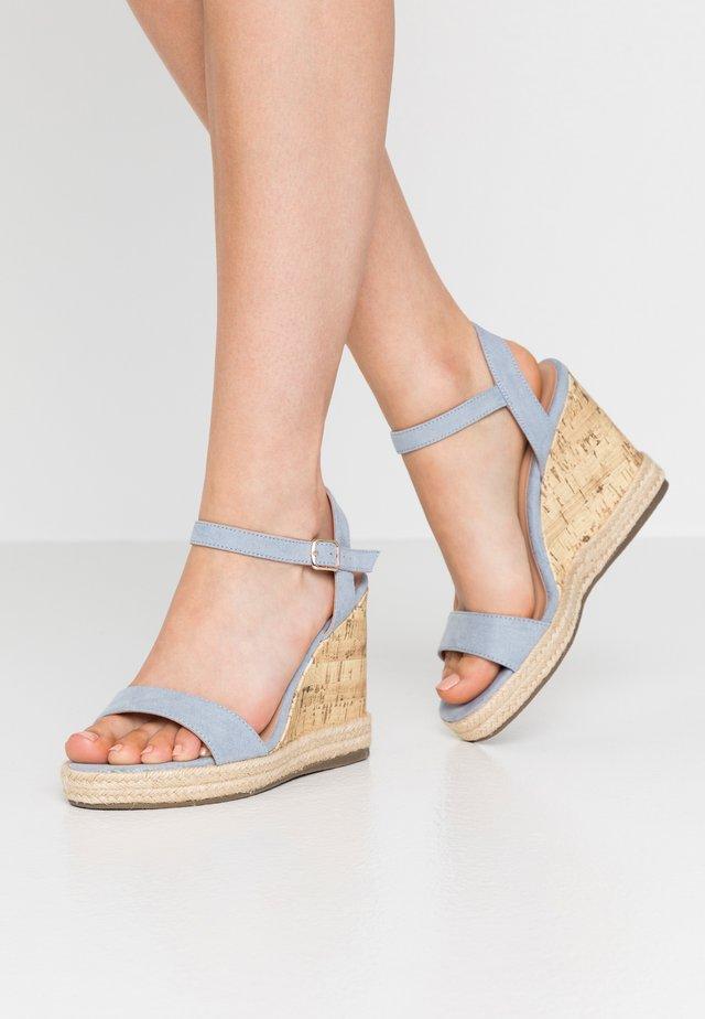 PERTH WEDGE - Højhælede sandaletter / Højhælede sandaler - light blue