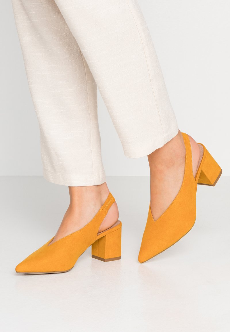 New Look - COMFORT RILEY - Decolleté - dark yellow