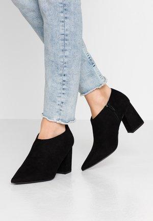SALING - Kotníková obuv - black