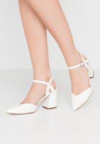 New Look - RAYLA - Lodičky na vysokém podpatku - white - 0