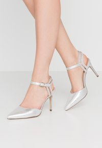 New Look - SPECTACLE - High heels - silver - 0