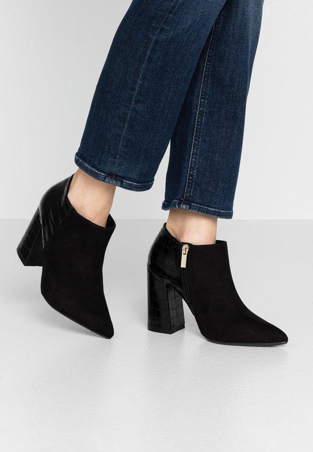 STEVIE - Ankelboots med høye hæler - black