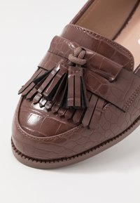 New Look - KAIRY - Slip-ons - mid brown - 2