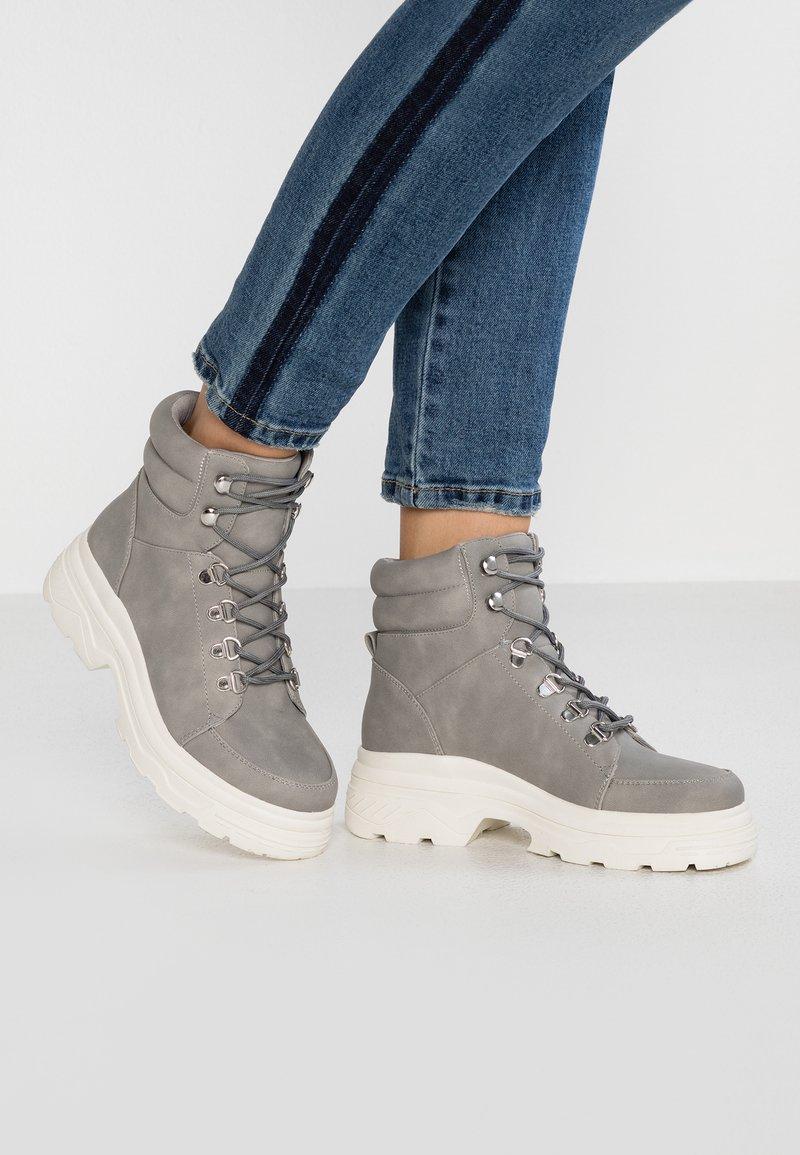 New Look - CHUNK - Kotníkové boty na platformě - mid grey