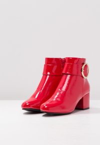 New Look - COOPER - Classic ankle boots - bright red - 4