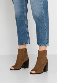 New Look - PEST - High heeled ankle boots - tan - 0