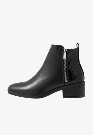 BRISK - Støvletter - black