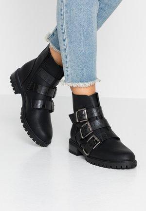 BOY - Kovbojské/motorkářské boty - black