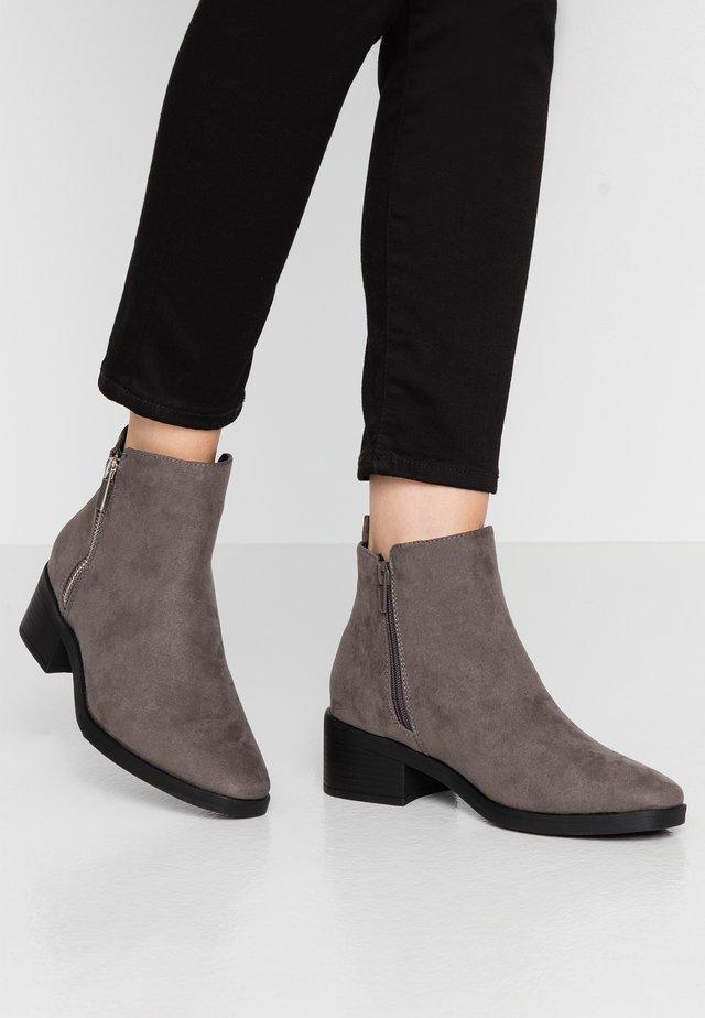 BRISK - Ankelstøvler - mid grey