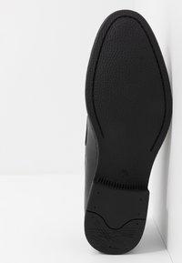 New Look - ROSSI TASSEL LOAFER  - Smart slip-ons - black - 4