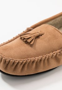 New Look - TASSEL MOCCASIN  - Pantuflas - tan