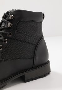 New Look - JOE MILITRY BOOT - Lace-up ankle boots - black - 5