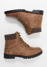New Look - MIKE HIKER BOOT - Lace-up ankle boots - tan - 1