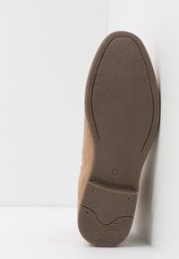 New Look - FRANCIS CHELSEA BOOT - Bottines - stone - 4