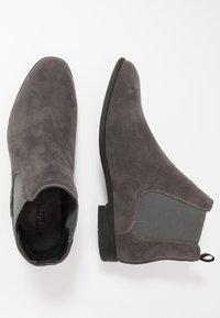 New Look - FRANCIS CHELSEA BOOT - Bottines - dark grey - 1
