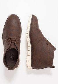 New Look - GOBI - Šněrovací kotníkové boty - dark brown - 1