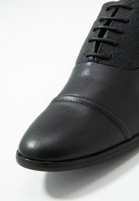 New Look - CITY OXFORD FORMAL - Elegantní šněrovací boty - black - 5