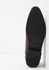 New Look - ASO SANDY PLAIN FORMAL - Šněrovací boty - dark brown - 4