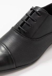 New Look - ARNOLD - Veterschoenen - black - 5