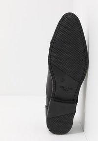 New Look - ARNOLD - Veterschoenen - black - 4