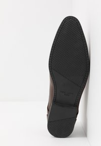 New Look - ARNOLD  - Smart lace-ups - dark brown - 4