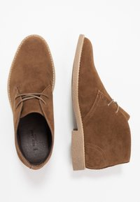 New Look - ALBERT DESERT BOOT - Volnočasové šněrovací boty - tan - 1