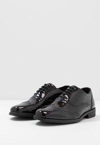 New Look - CHARLIE BROGUE - Elegantní šněrovací boty - black - 2